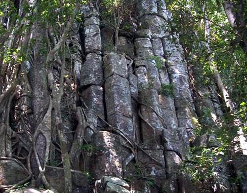 Thành đá Tà Cơn thuộc tổng Vĩnh thạnh