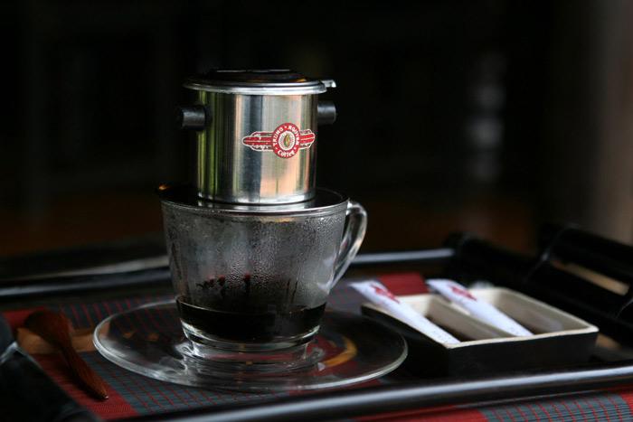 Những tách cà phê