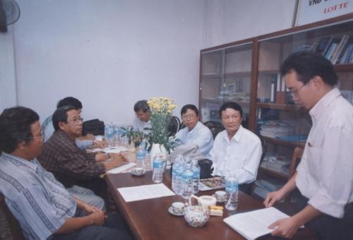 2001-Hop Toa Soan, canh nha van Vu Hanh