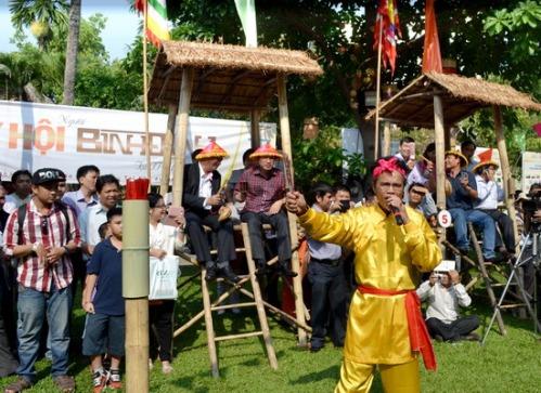Hội đánh bài chòi cổ trong Ngày hội Người Bình Định ở TP Hồ Chí Minh.